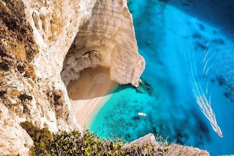 greecezakynthosnavagio-beach-shutterstock331462181.jpg.pagespeed.ce.Cx8PIRxIyn